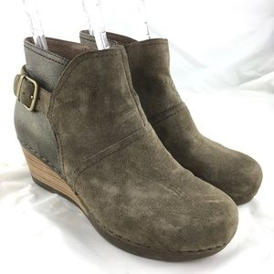 Dansko Shirley booties wedge boots taupe suede 39